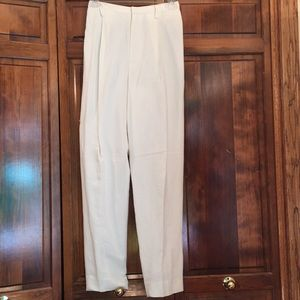 Ellen Tracy women's white slacks NWT.